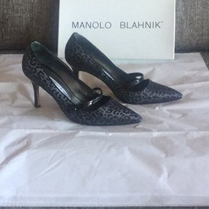 Manolo Blahnik 7.5 shoes